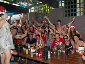 backpackers-christmas-cottesloe