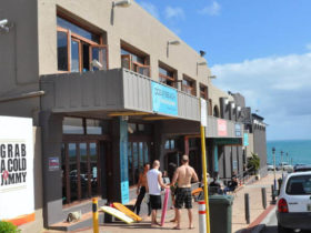 ocean-beach-backpackers-cottesloe