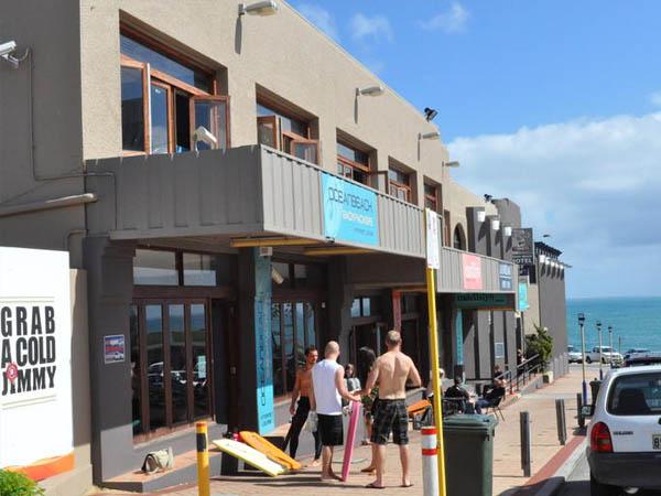 ocean-beach-backpackers-cottesloe